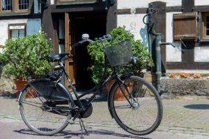 Fahrrad vor dem Hotel-Restaurant Baumhove in Werne