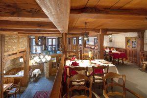 Blick von der Galerie in das Restaurant Baumhove in Werne