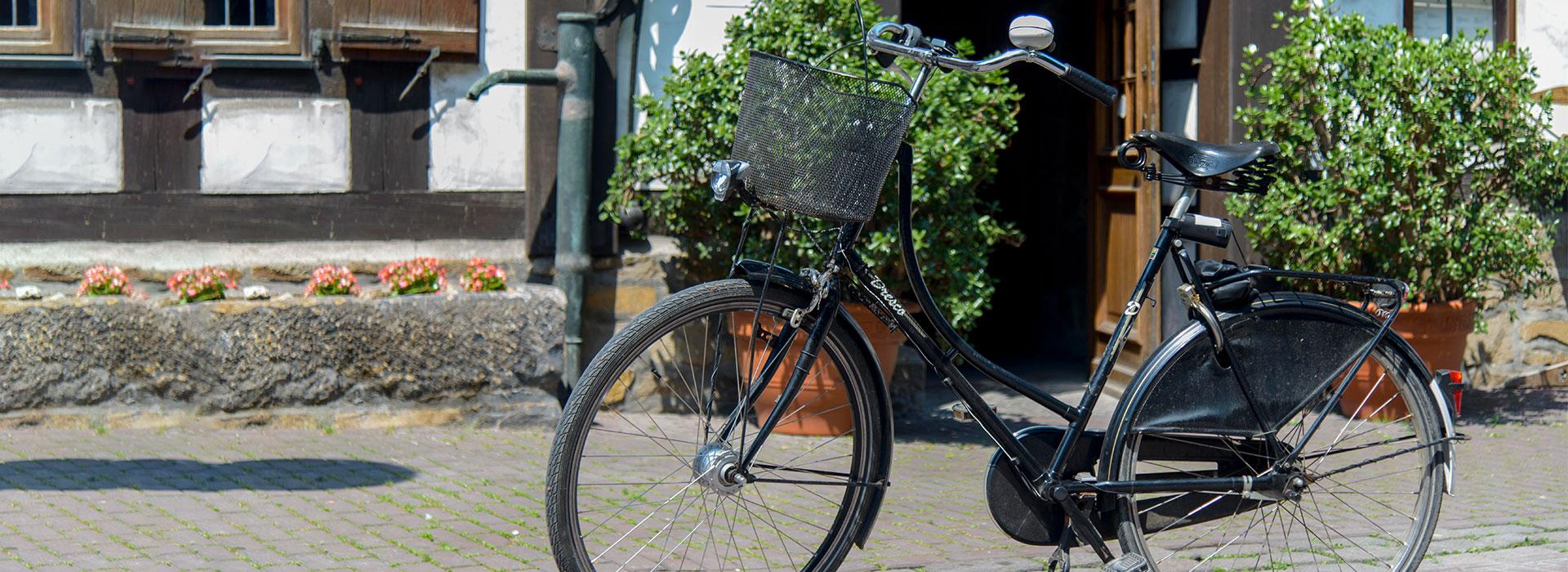 Fahrrad vor dem Restaurant Baumhove in Werne